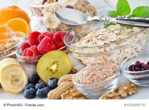 Vitamine in Obst, Getreide und Nüssen