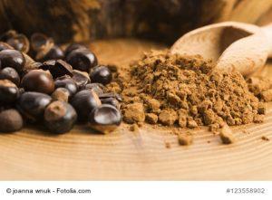 Guaranáfrüchte und Guaranápulver