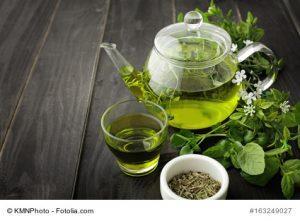 Grüner Tee in Glas