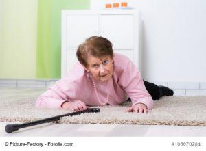 Rentnerin ist gestürzt