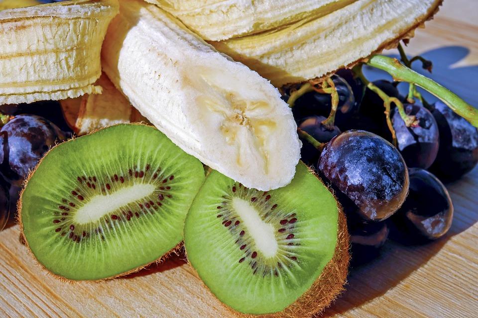 Kiwi und Bananen