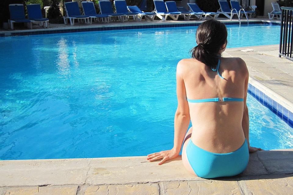 Im Schwimmbad lauern viele Keime