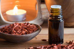 Ätherisches Öl des Sandelholzes