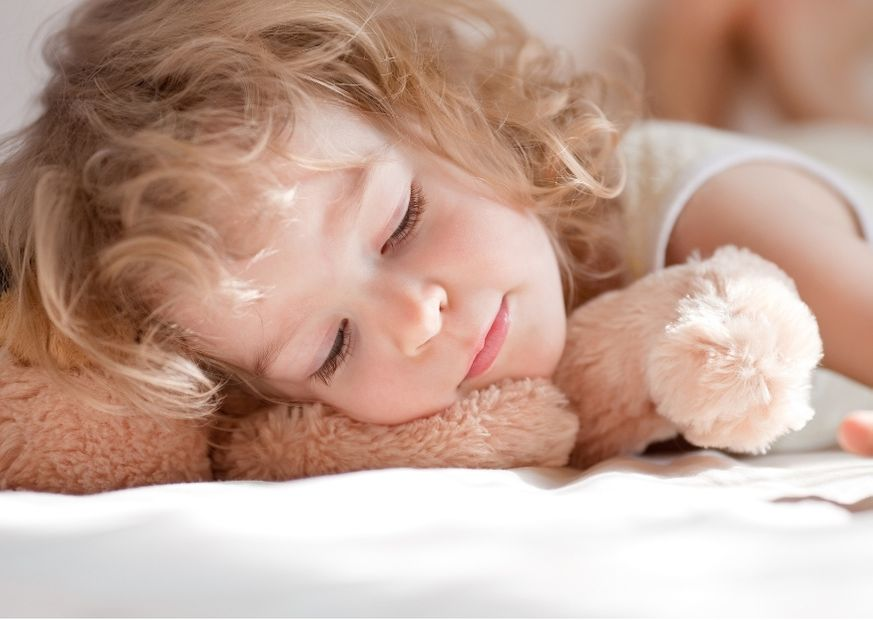 3-Jährige schläft