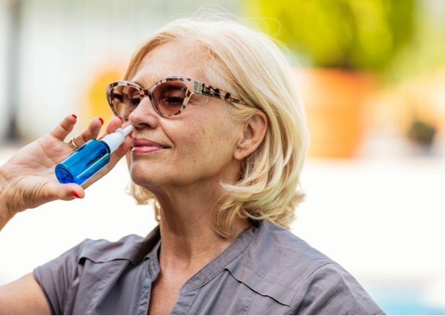 Nasenspray gegen allergischen Schnupfen