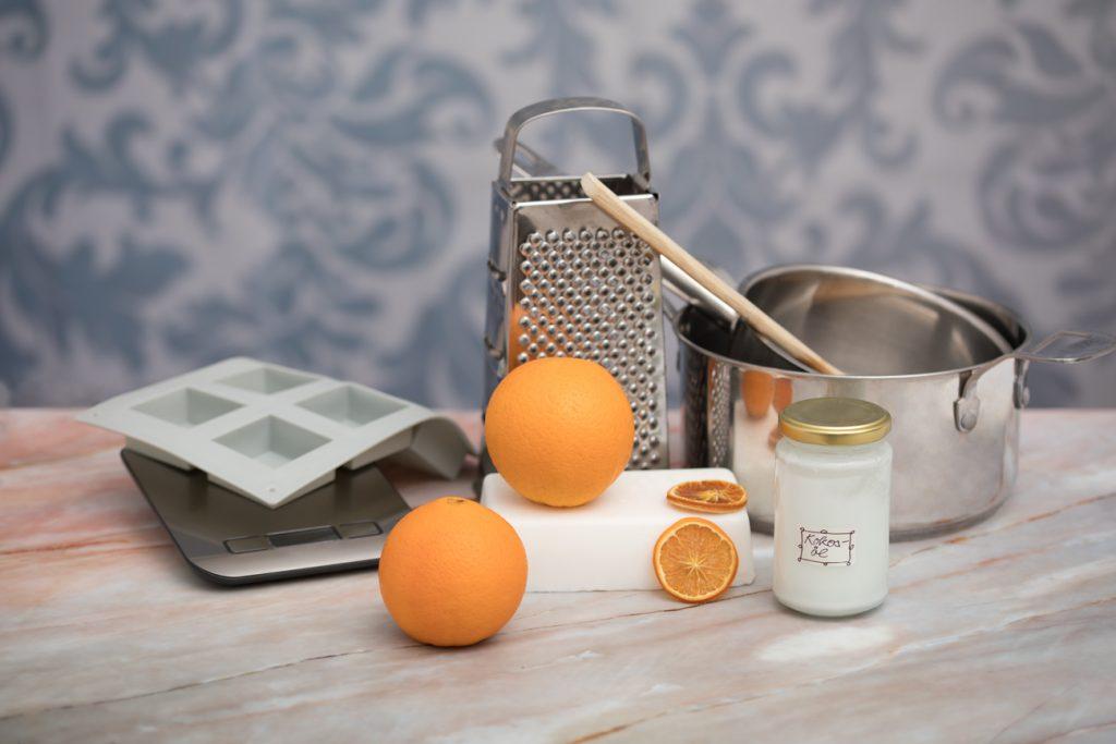 Zutaten für das Herstellen von Orangen-Seife