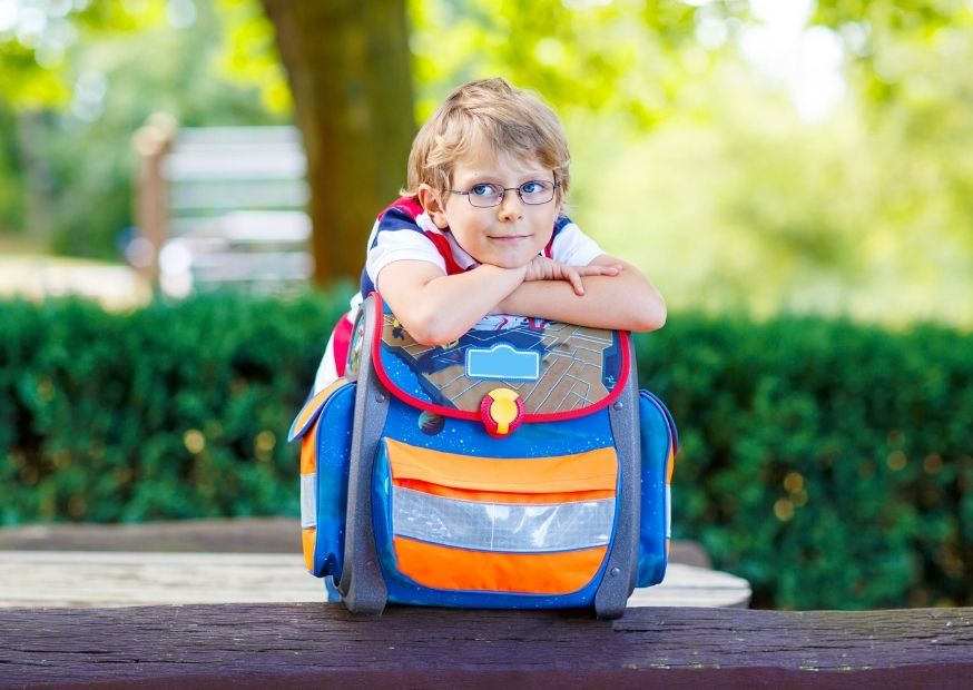 Schulkind mit Ranzen